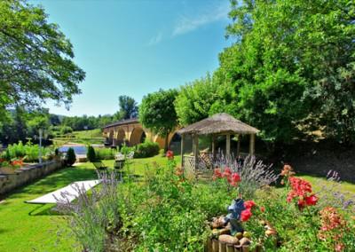 jardin hotel plaisance Vitrac Dordogne Perigord