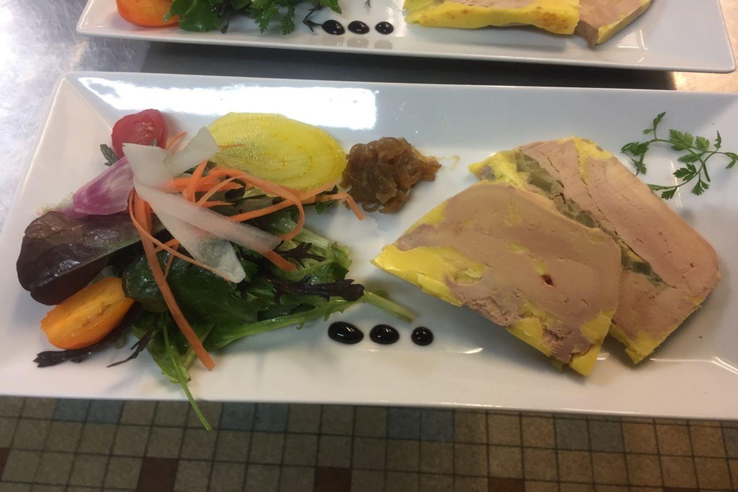 foie gras mi-cuit en deux façon